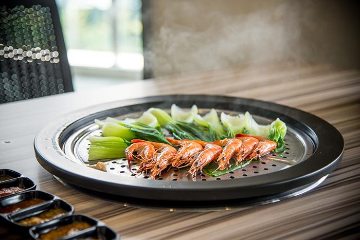 只有新鲜的虾才能够蒸出真材实料