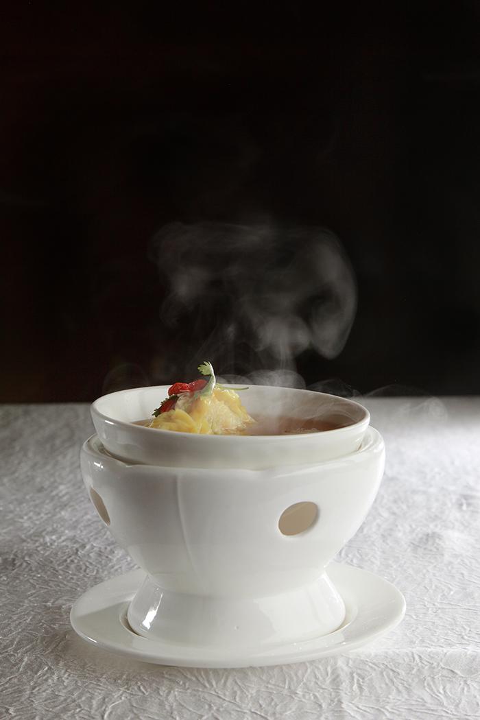 天宝阁的水饺蒸鸡汤